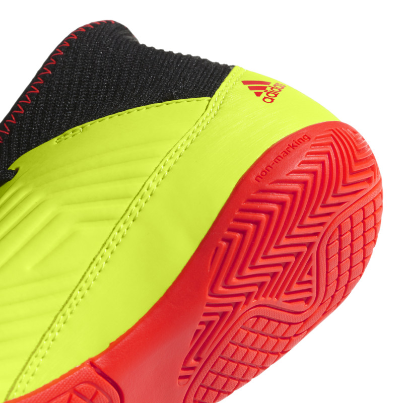 YOUTH PREDATOR TANGO 18.3 INDOOR BOOTS